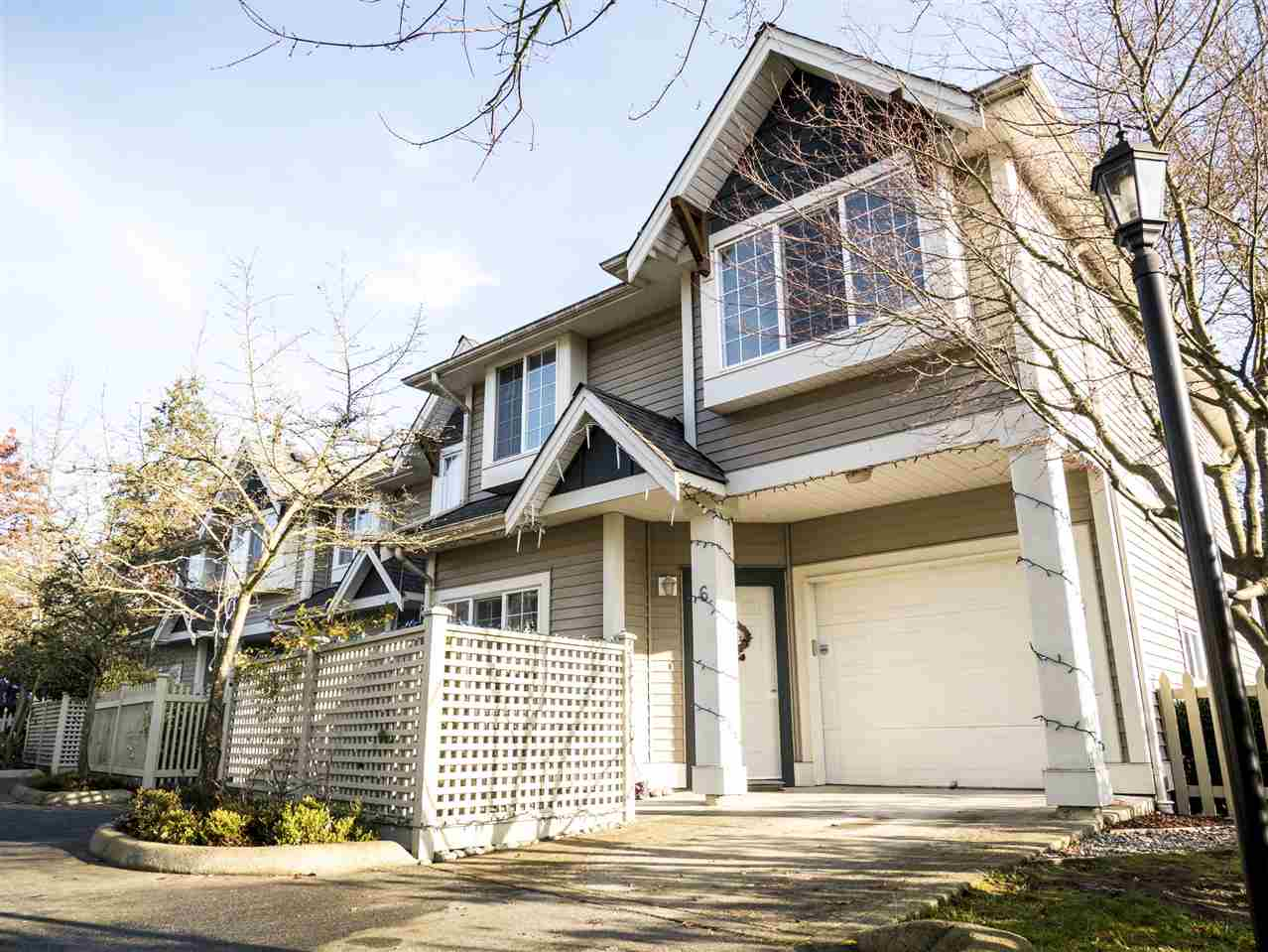 6 11528 BURNETT STREET, Maple Ridge
