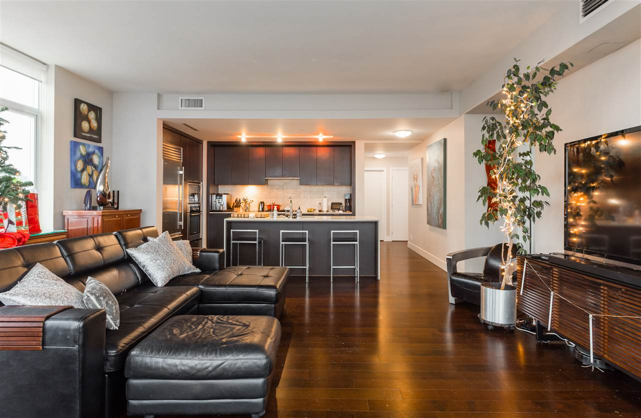 1903 1320 CHESTERFIELD AVENUE, North Vancouver