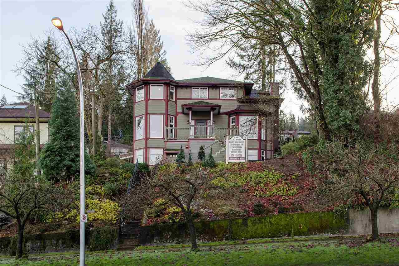 2325 ST. JOHNS STREET, Port Moody