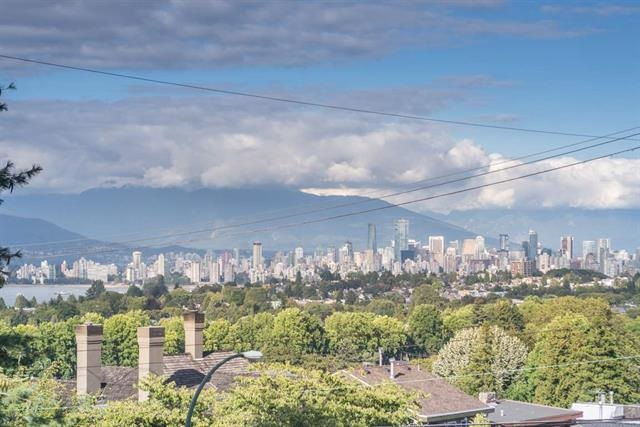 3811 W 14TH Point Grey, Vancouver (R2230161)