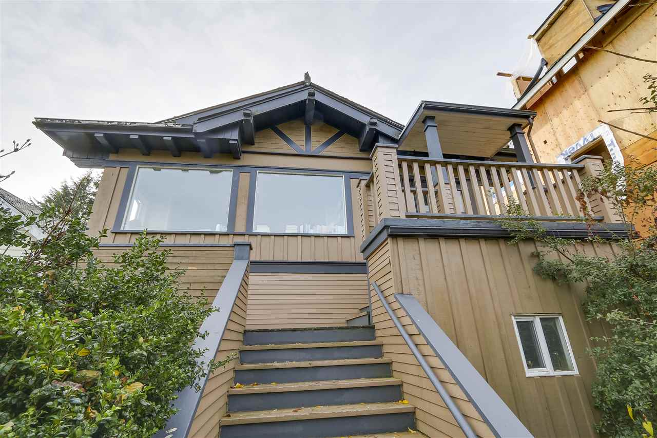 3868 W 10TH Point Grey, Vancouver (R2230167)