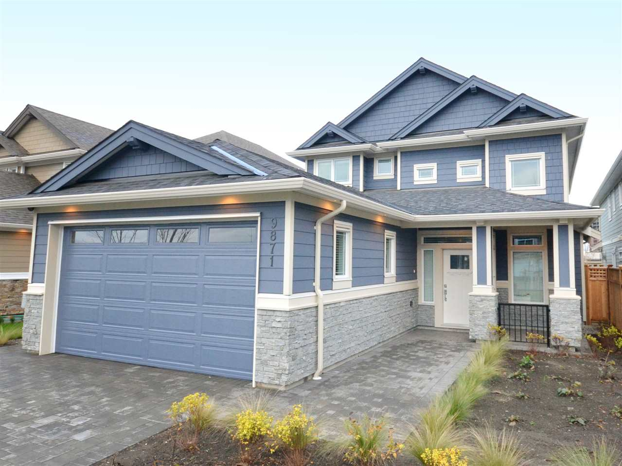 9871 PATTERSON West Cambie, Richmond (R2230250)