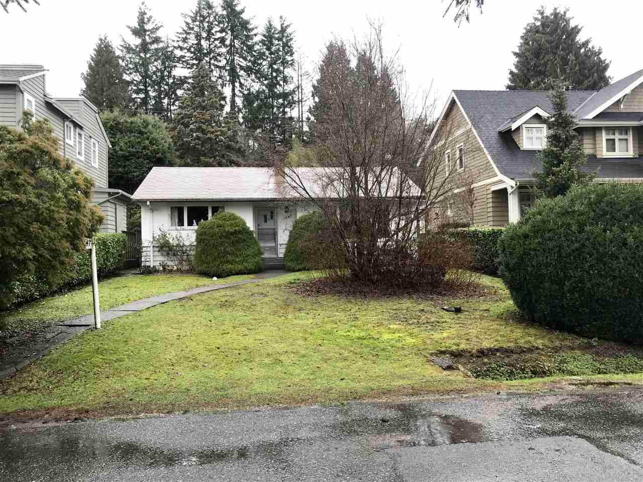 1047 LAWSON Sentinel Hill, West Vancouver (R2230392)