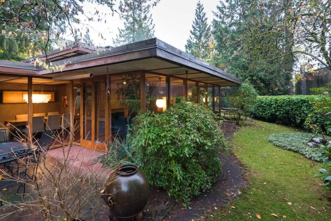 3635 SUNNYCREST Edgemont, North Vancouver (R2230501)