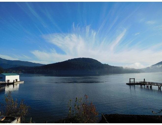 524 LOWRY Dollarton, North Vancouver (R2231417)