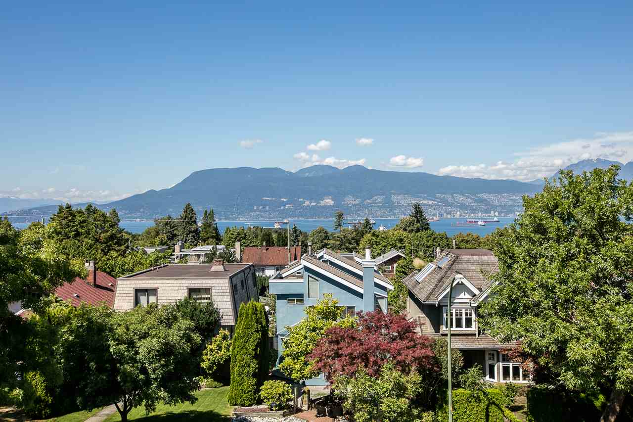 4028 W 11TH Point Grey, Vancouver (R2231912)