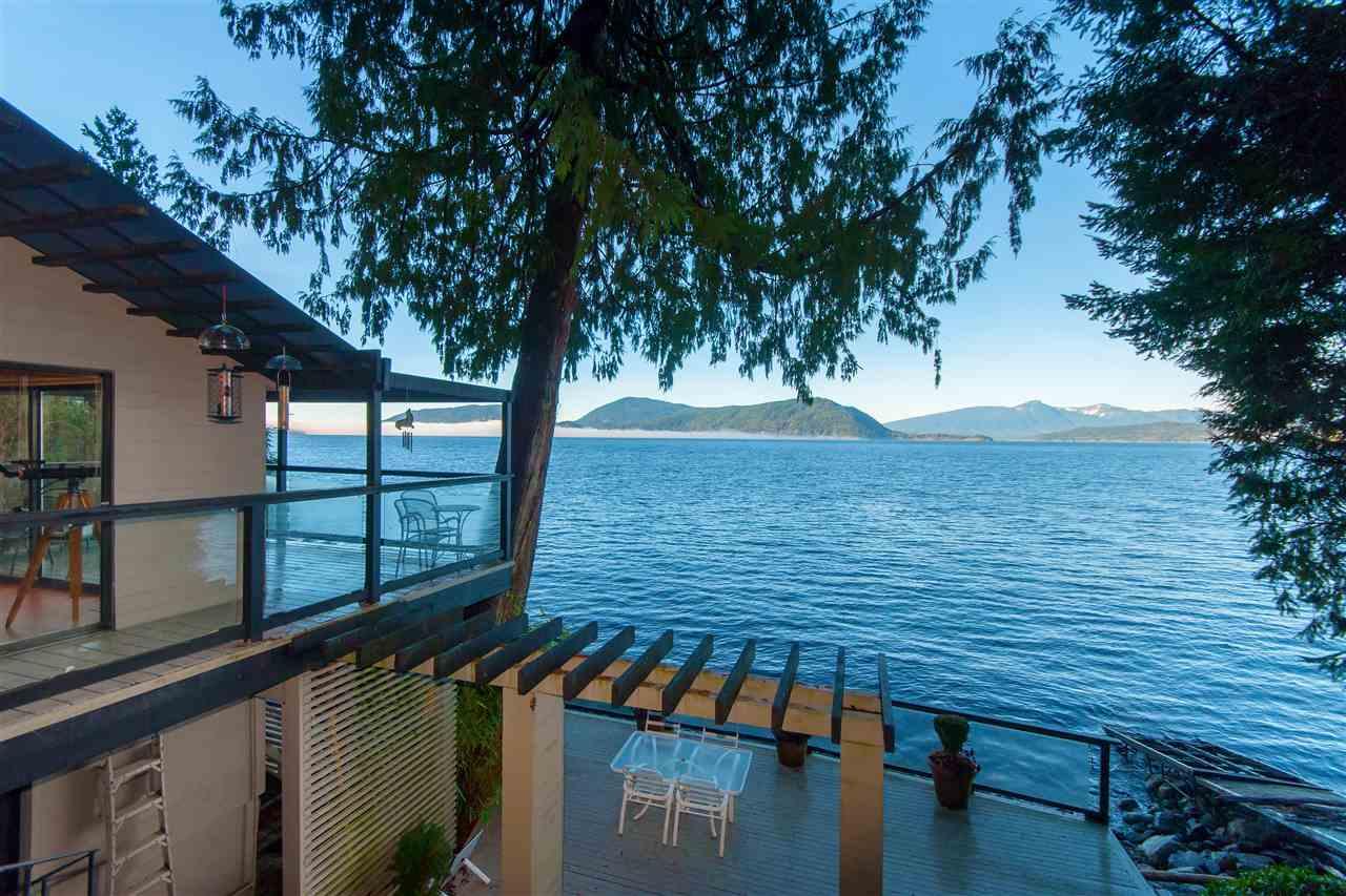 3 MONTIZAMBERT Howe Sound, West Vancouver (R2232116)