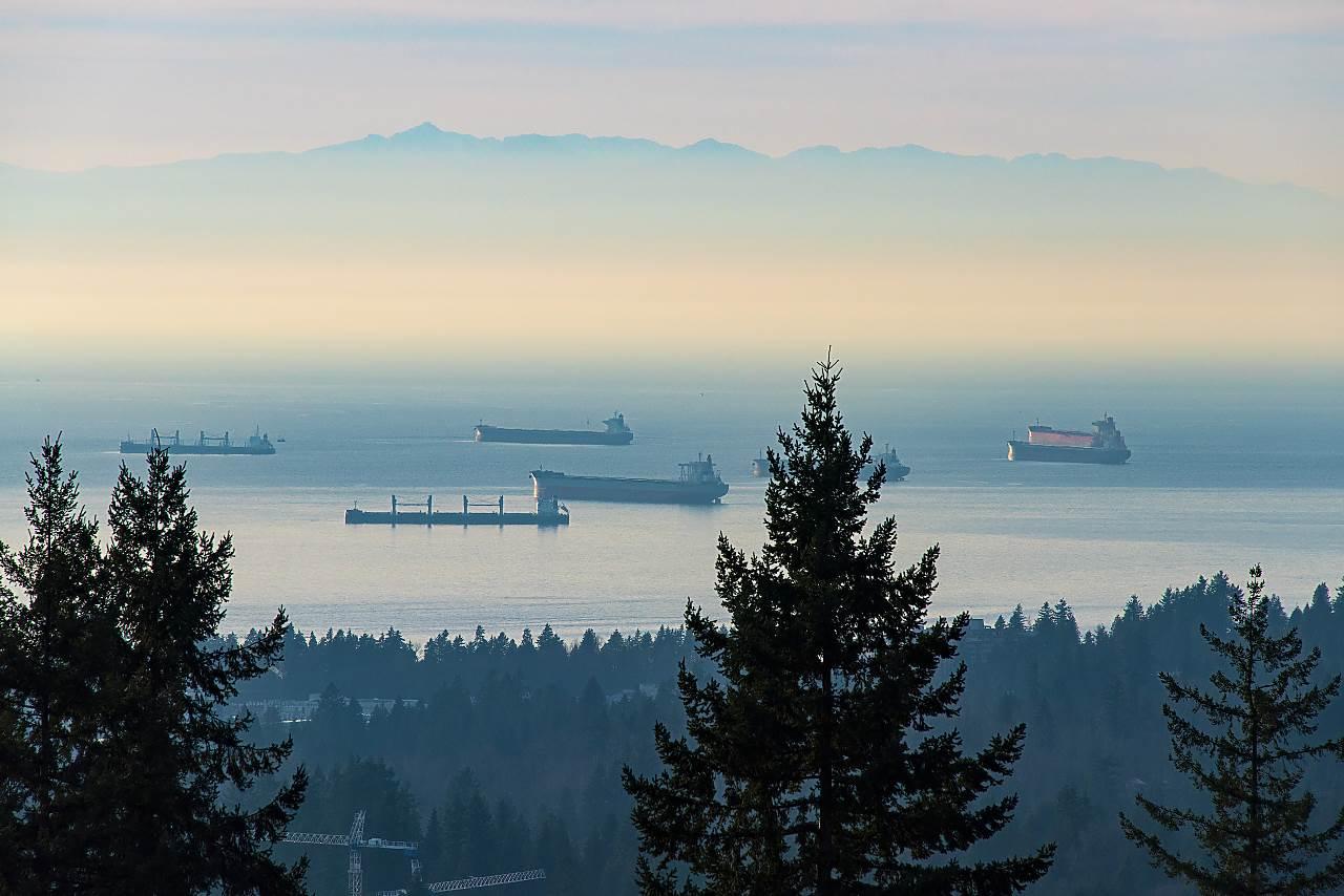 4300 STARLIGHT Upper Delbrook, North Vancouver (R2233264)