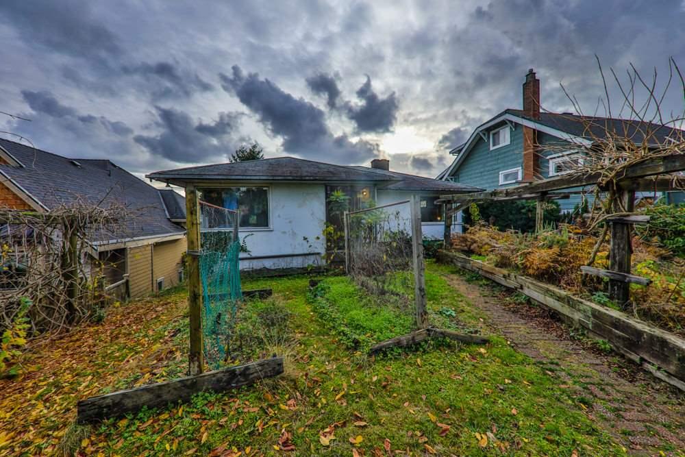 729 E KEITH Queensbury, North Vancouver (R2235597)