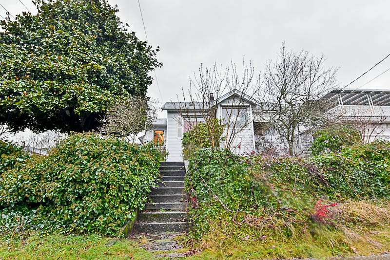1725 SEVENTH West End NW, New Westminster (R2239614)