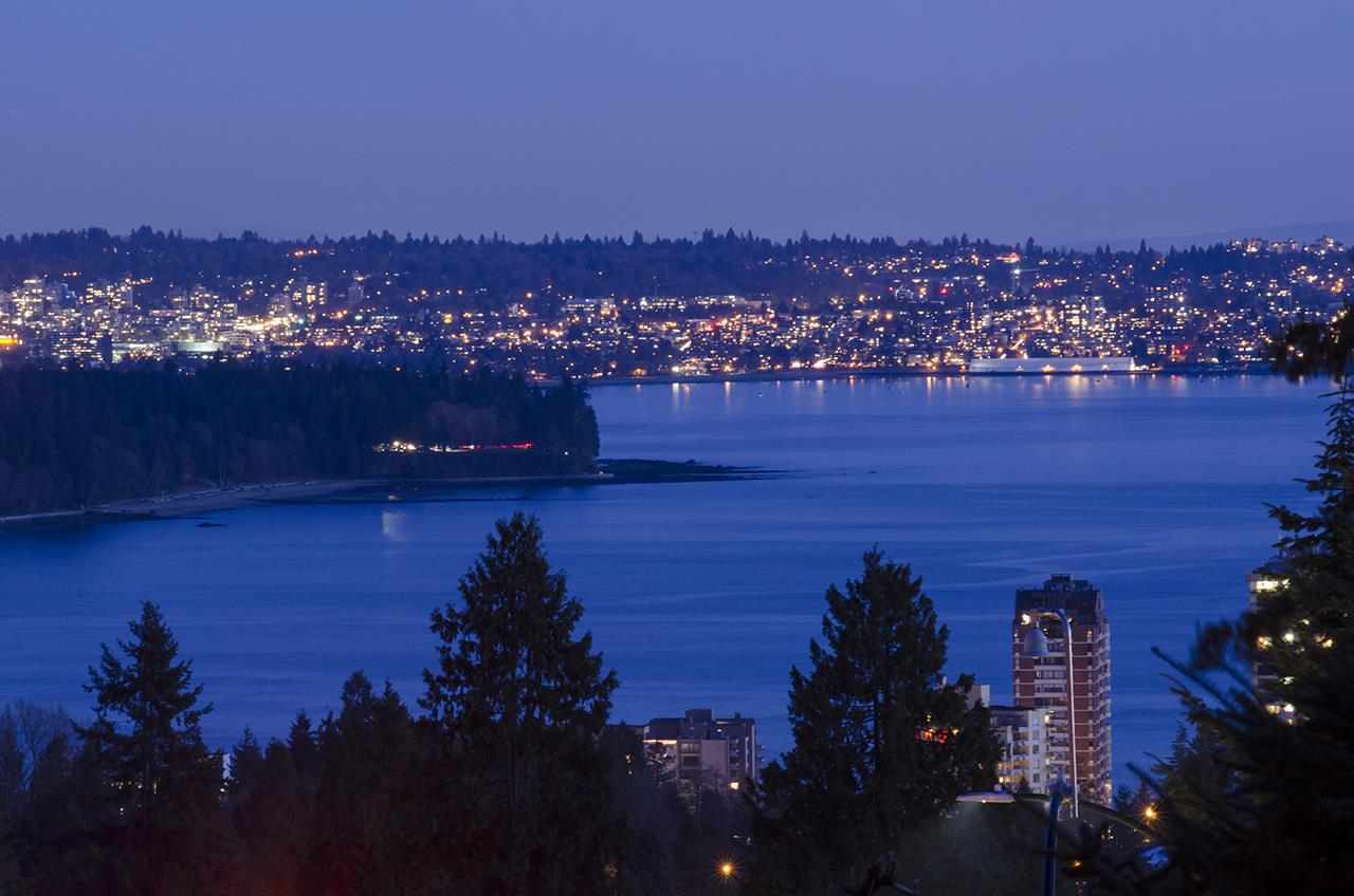 2110 ROSEBERY Queens, West Vancouver (R2241071)