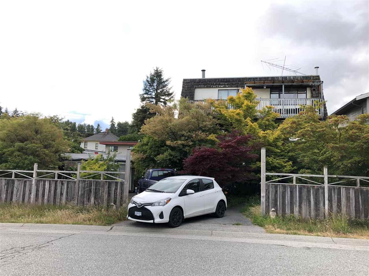 656 W 17TH Hamilton, North Vancouver (R2242813)