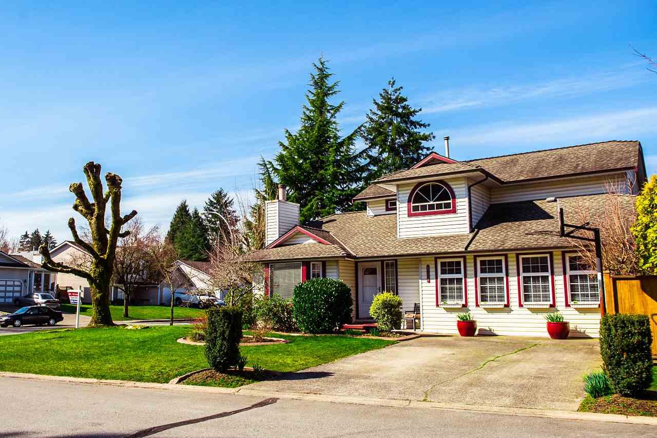 9303 211 Walnut Grove, Langley (R2243066)
