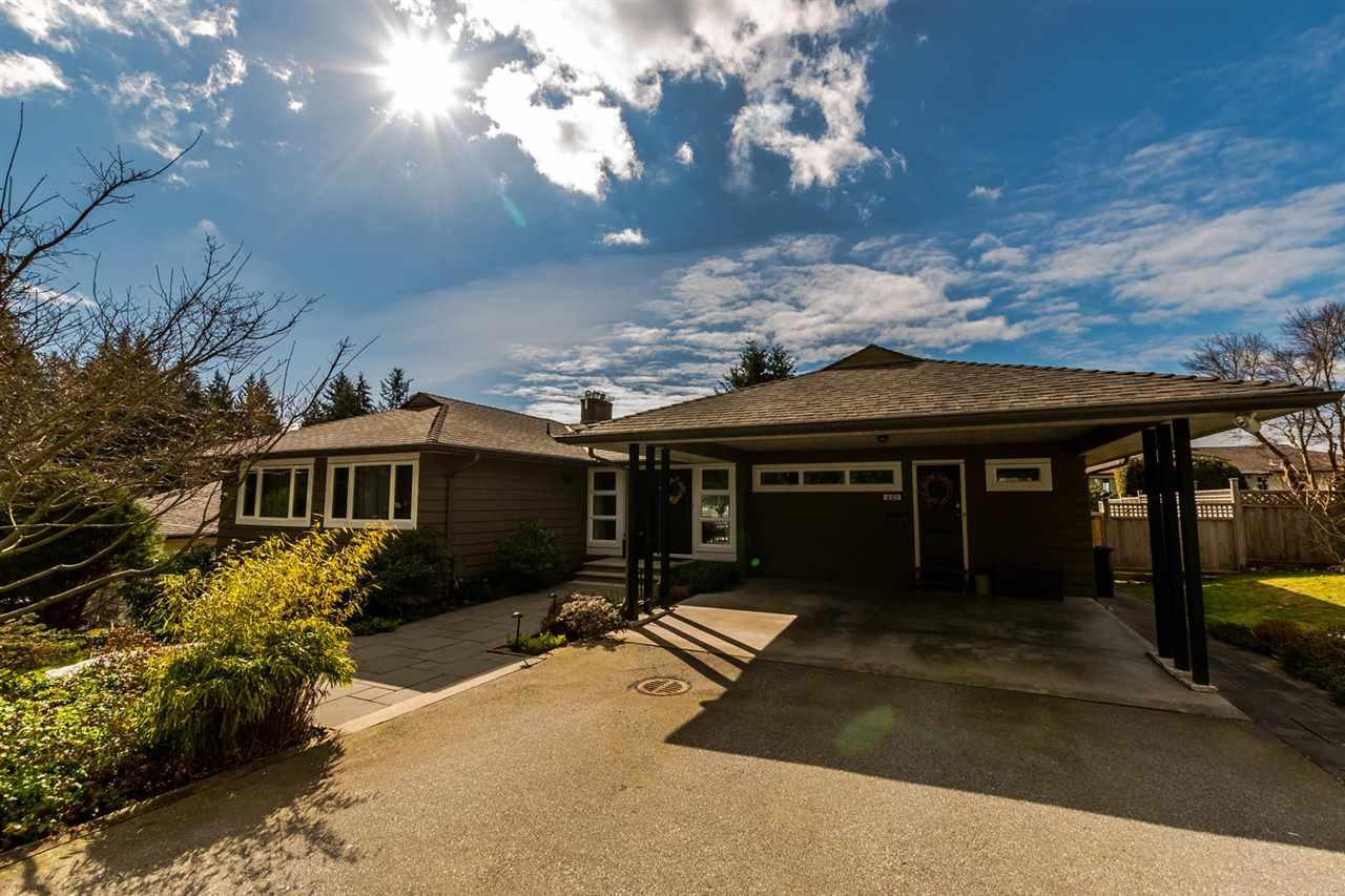 423 VIENNA Upper Delbrook, North Vancouver (R2244315)