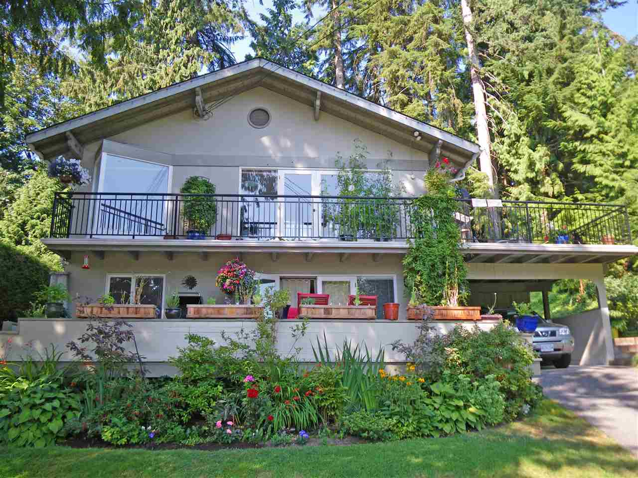 568 GREENWAY Upper Delbrook, North Vancouver (R2244460)