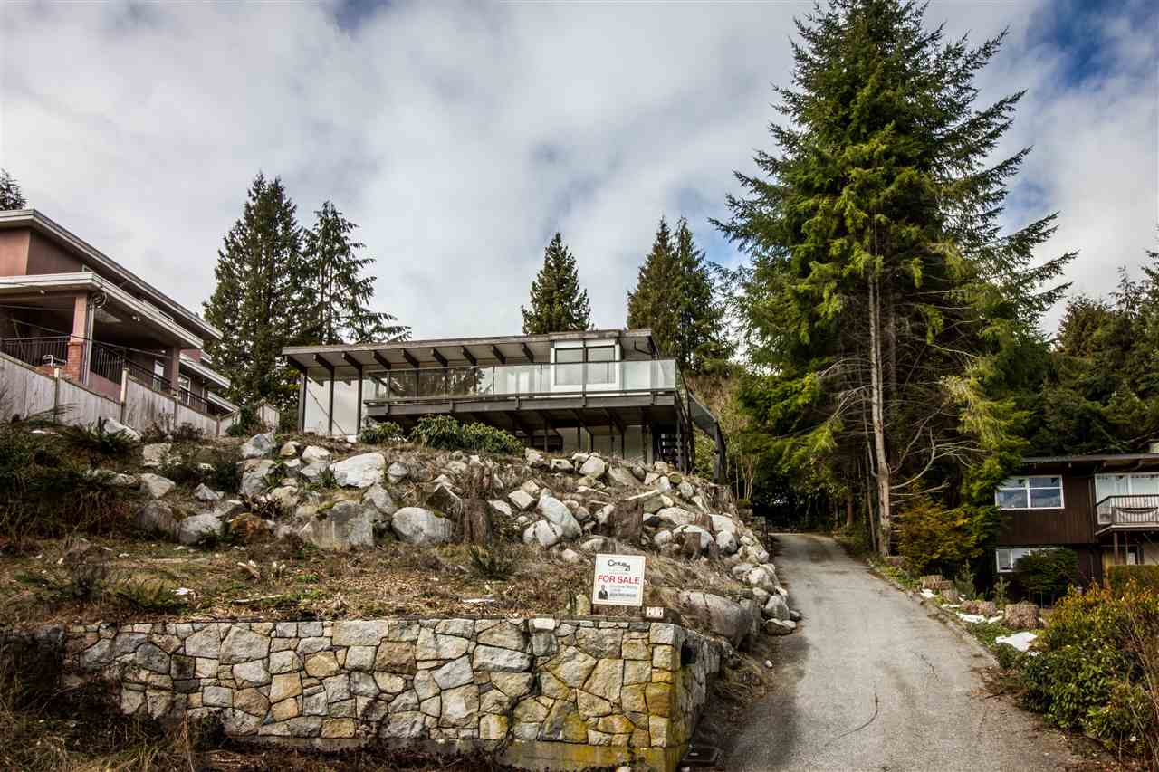 75 LAURIE Glenmore, West Vancouver (R2244496)