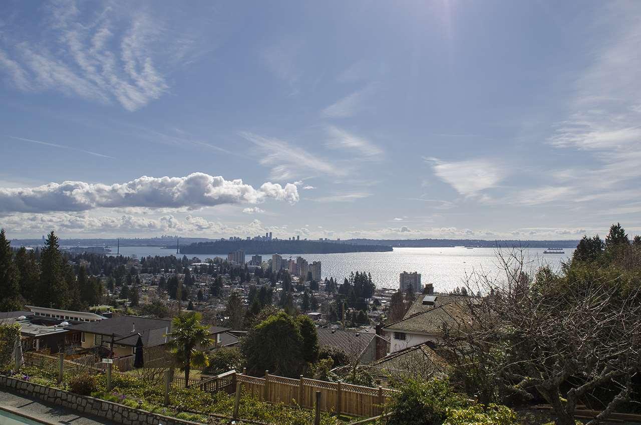 2550 QUEENS Queens, West Vancouver (R2245540)