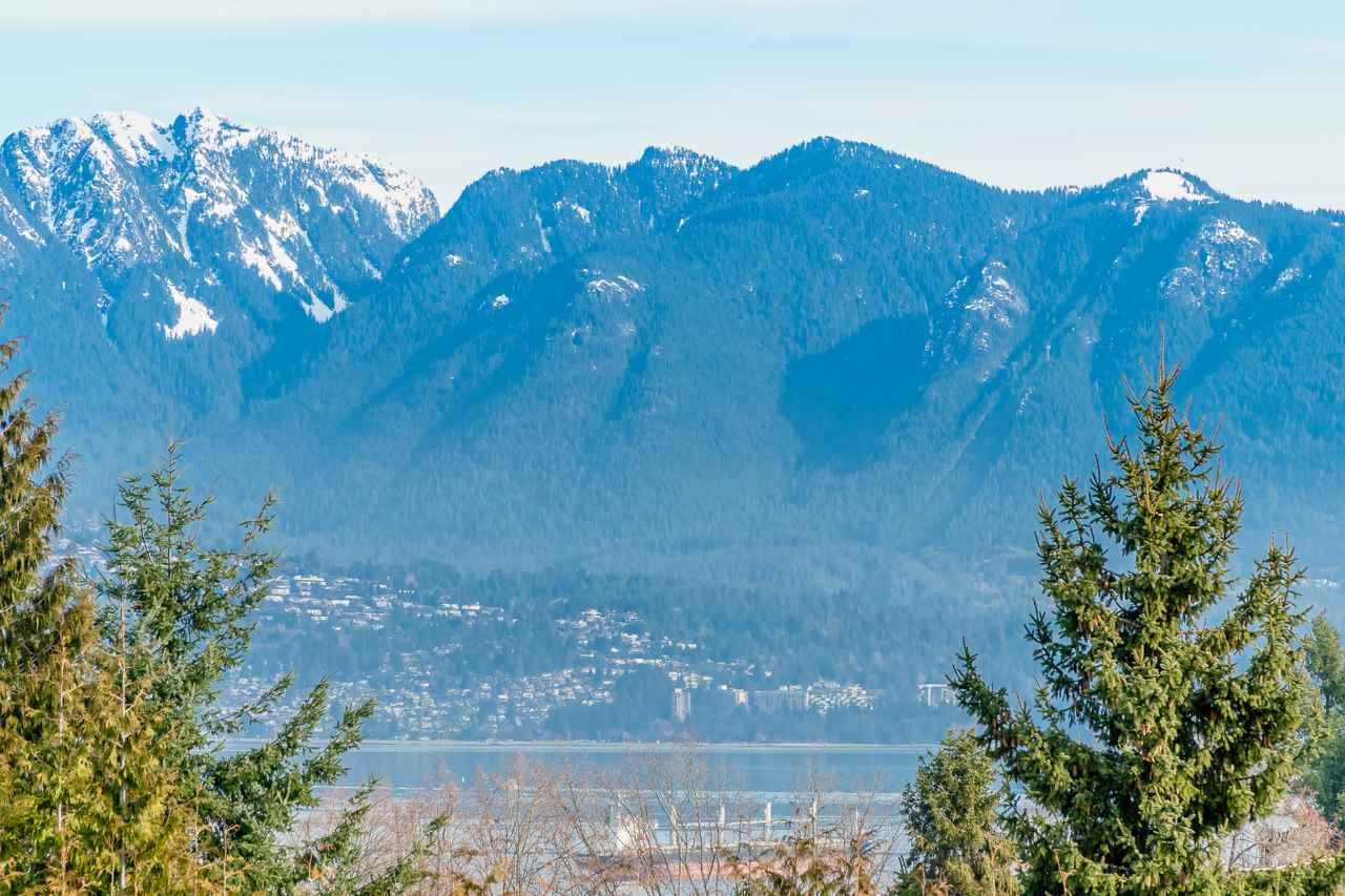 4190 W 11TH Point Grey, Vancouver (R2246010)