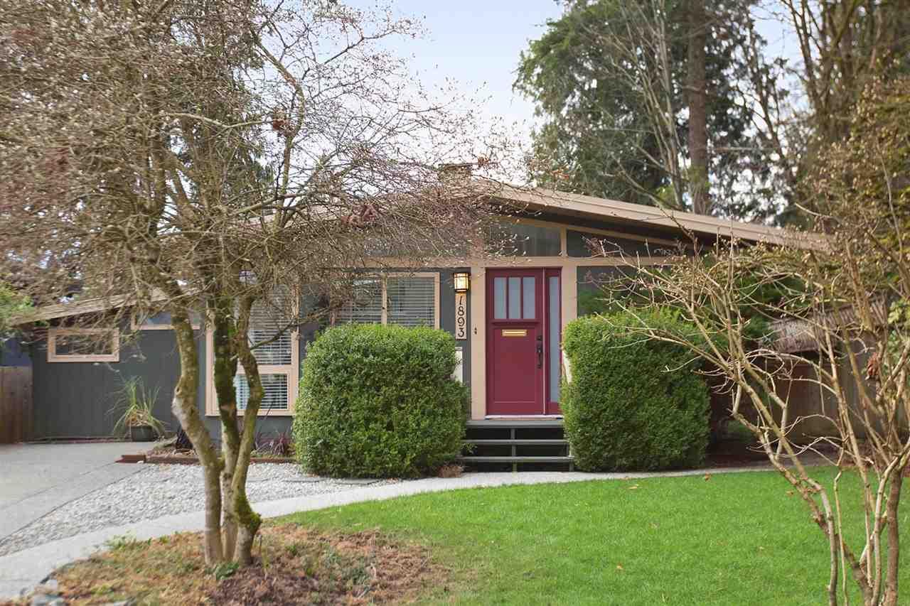 1893 BOWSER Pemberton NV, North Vancouver (R2246328)