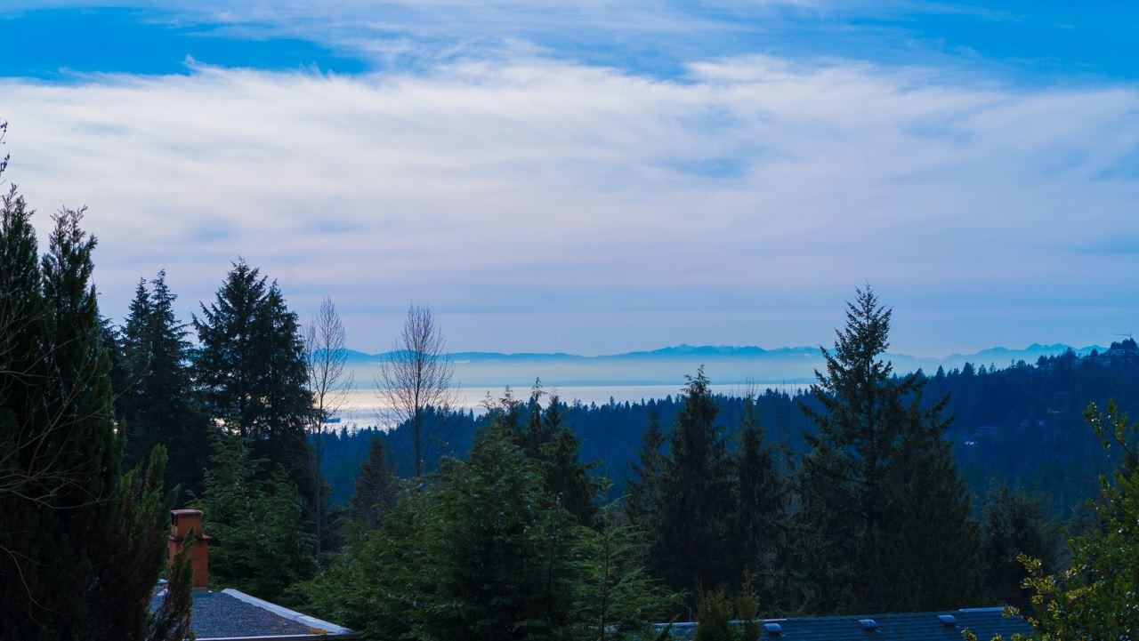 5240 MALASPINA Canyon Heights NV, North Vancouver (R2246689)