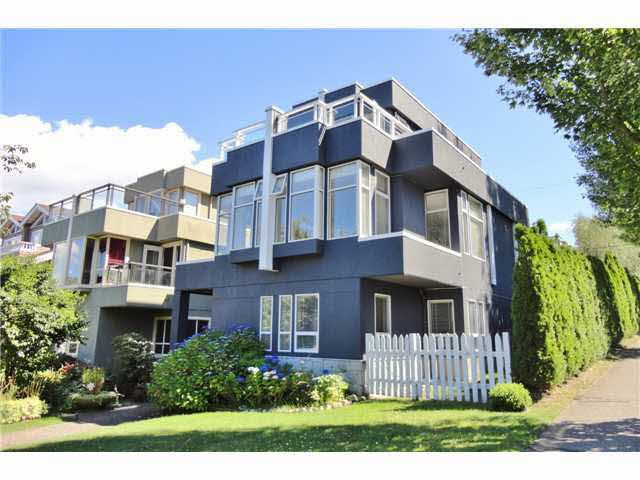 3682 W 15TH Point Grey, Vancouver (R2247350)