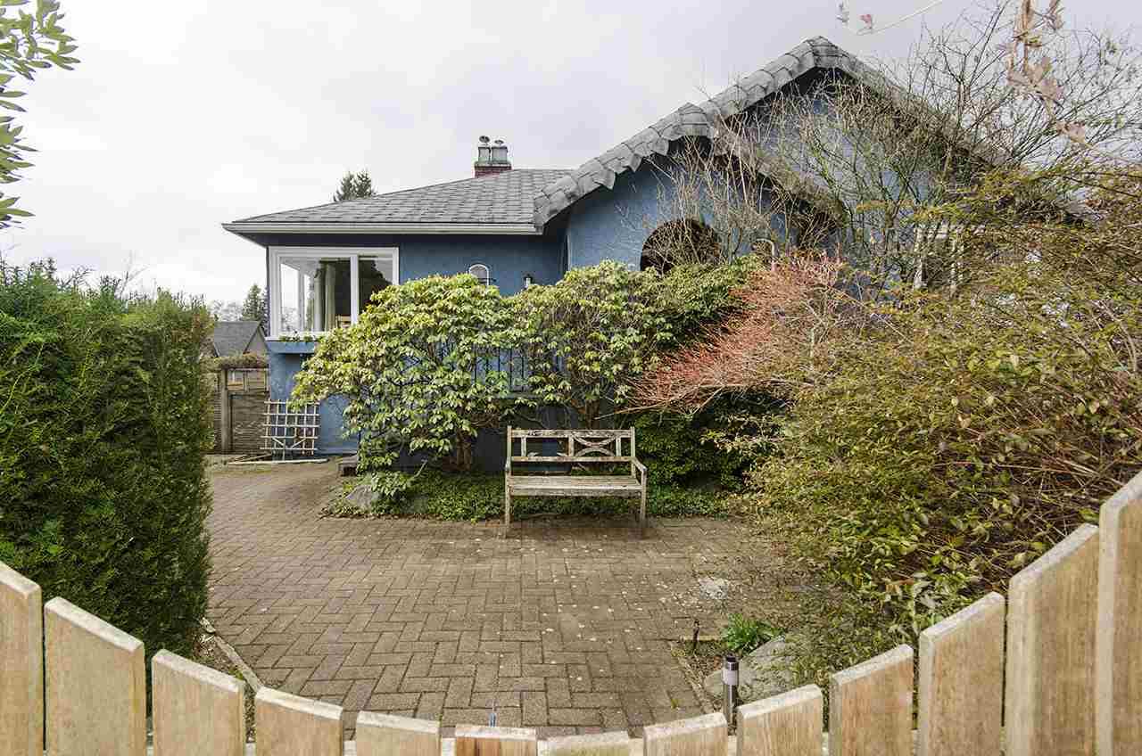 863 17TH Ambleside, West Vancouver (R2249678)