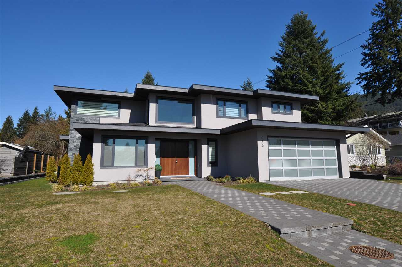 960 ESSEX Forest Hills NV, North Vancouver (R2252585)