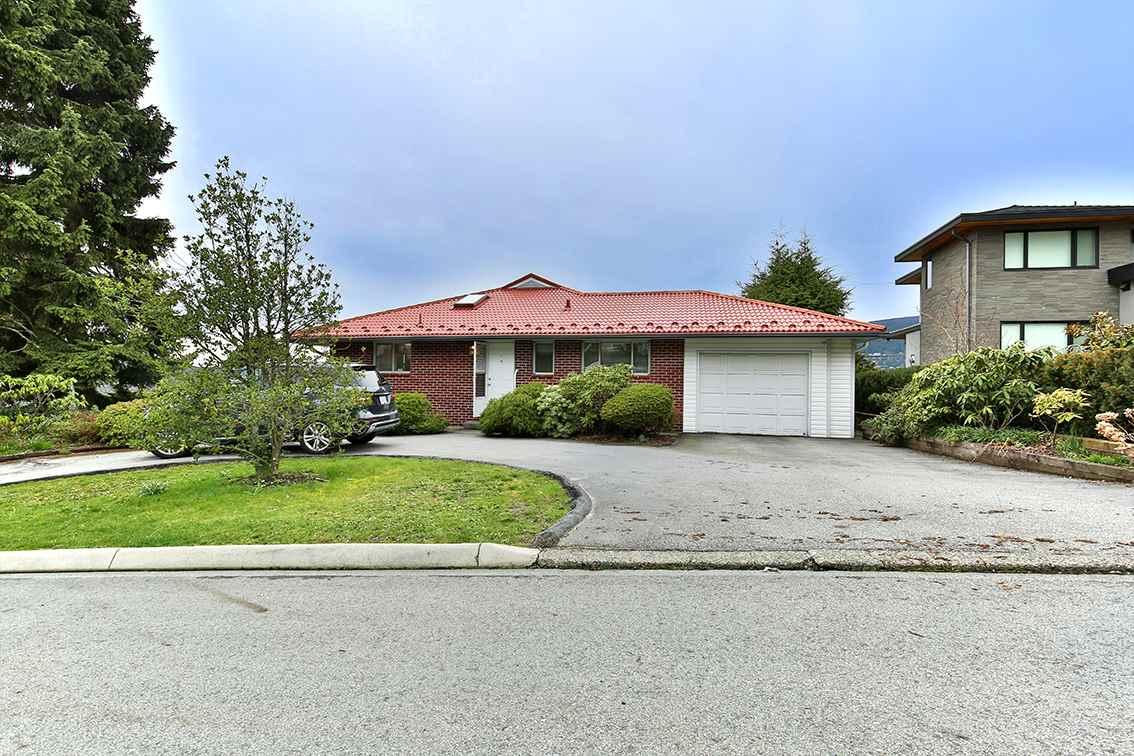 4379 RANGER Forest Hills NV, North Vancouver (R2256251)