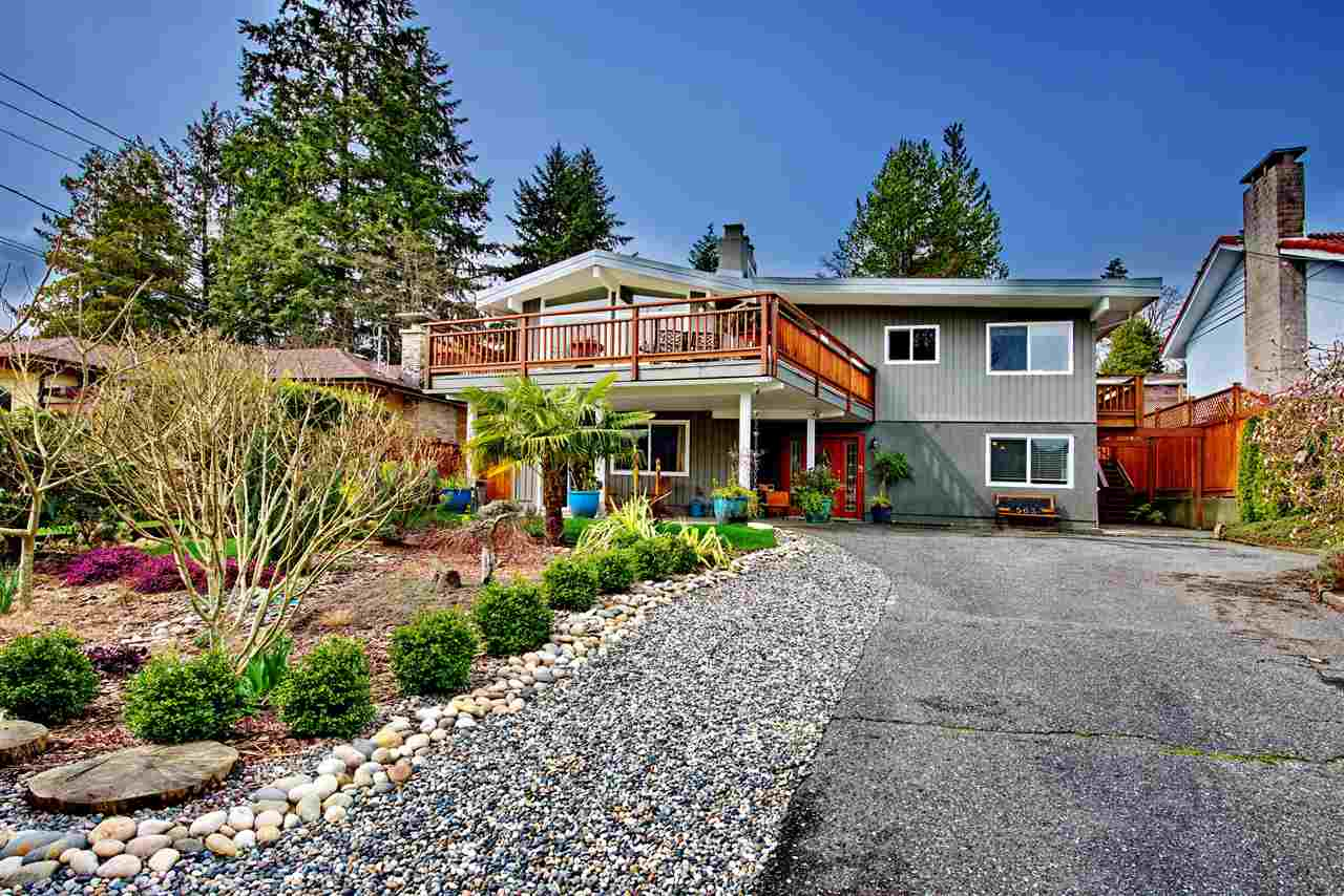 563 N DOLLARTON Dollarton, North Vancouver (R2257361)