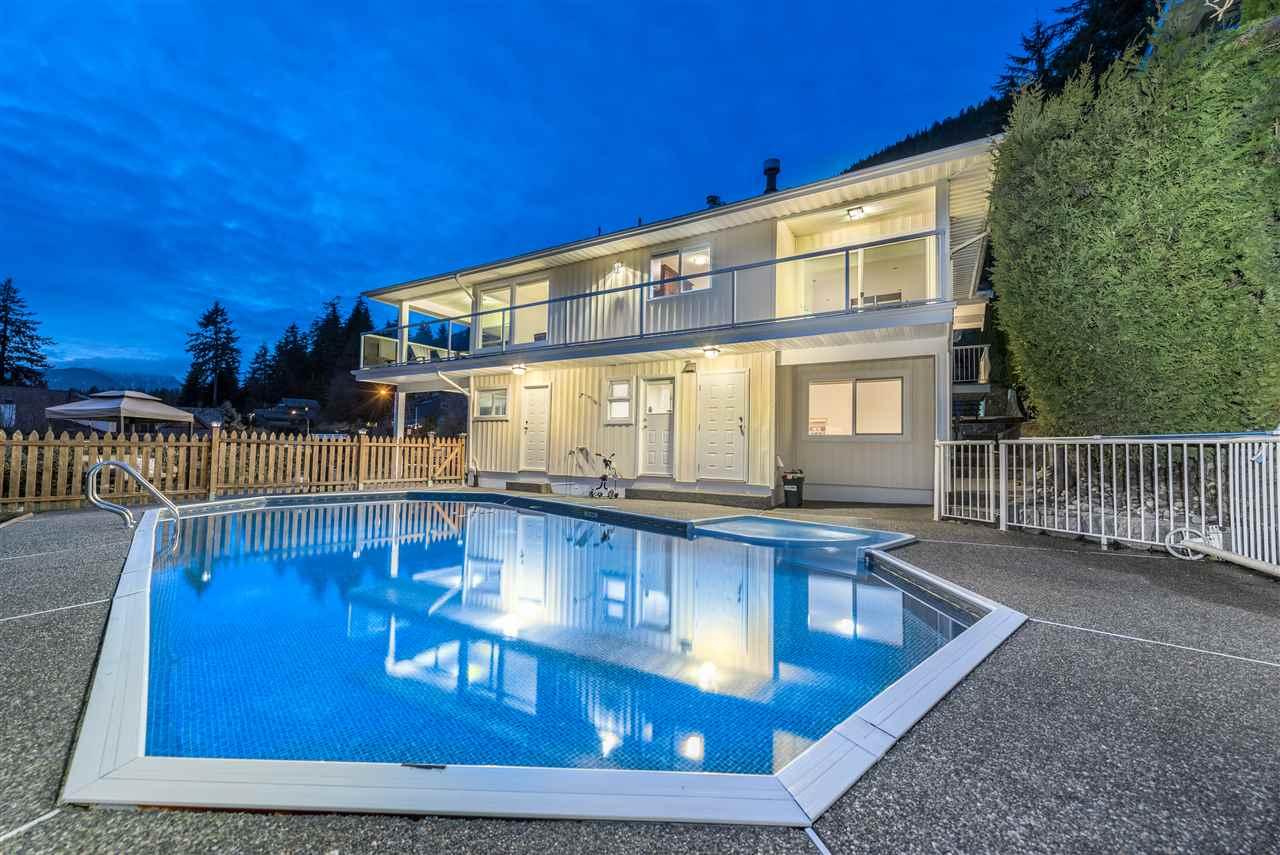 5502 MOLINA Canyon Heights NV, North Vancouver (R2258182)