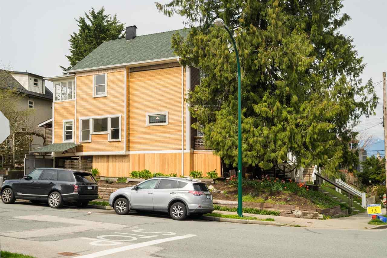 2349 ST. CATHERINES Mount Pleasant VE, Vancouver (R2259144)