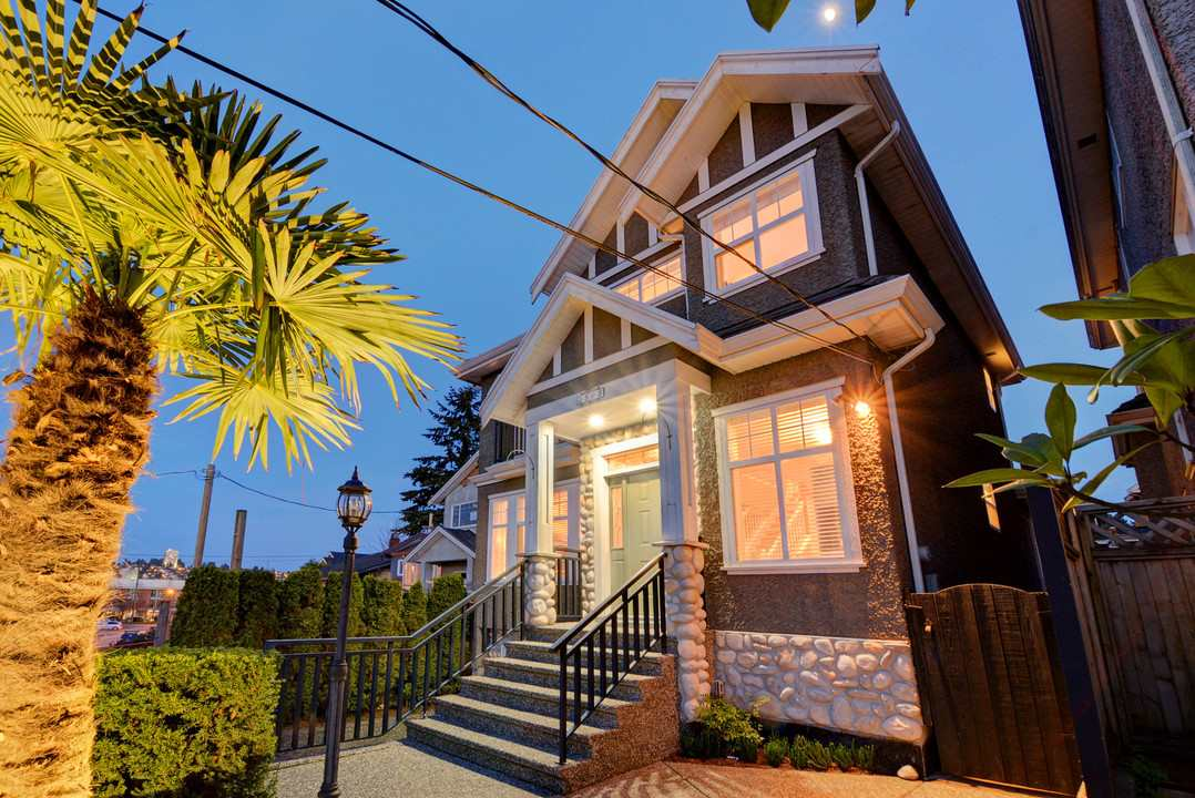 2808 WALL Hastings East, Vancouver (R2261192)