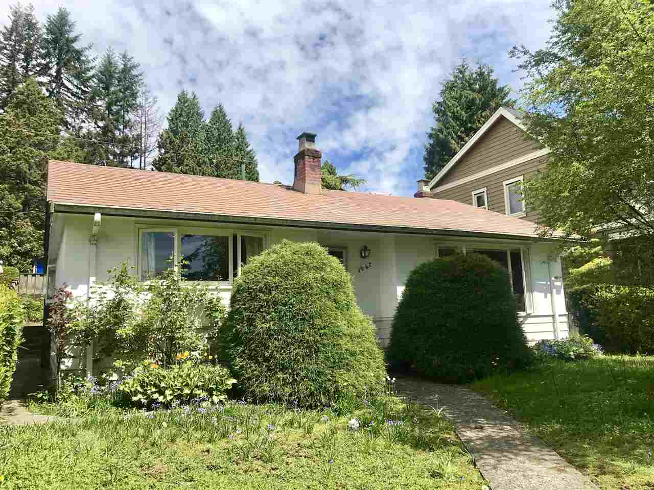 1047 LAWSON Sentinel Hill, West Vancouver (R2264239)
