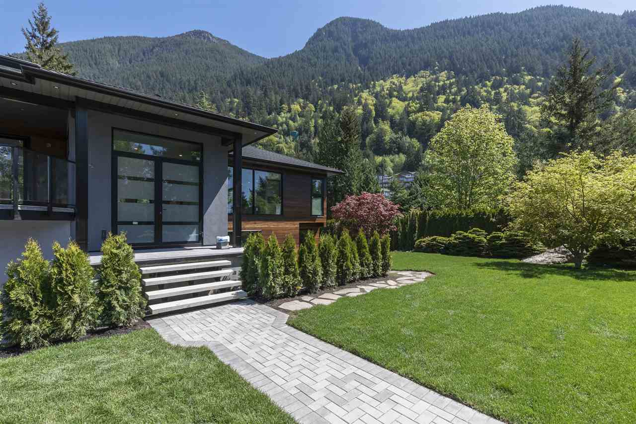 8550 ANSELL Howe Sound, West Vancouver (R2265519)