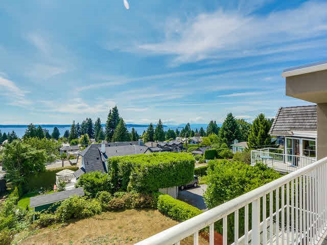 2390 NELSON Dundarave, West Vancouver (R2265633)