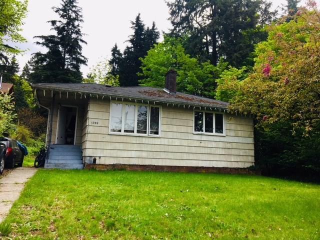 1900 LARSON Hamilton, North Vancouver (R2266099)
