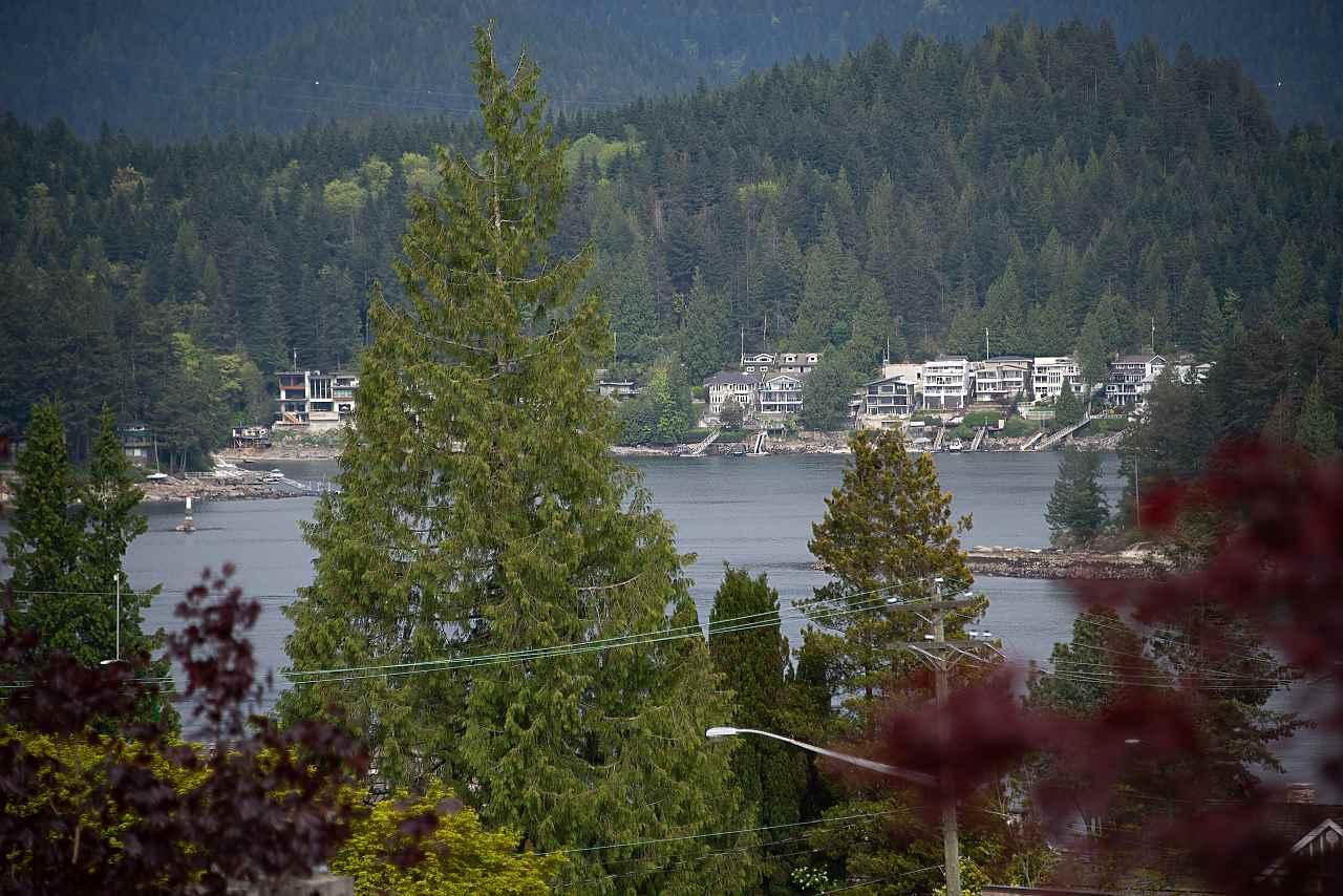 429 FELTON Dollarton, North Vancouver (R2266116)