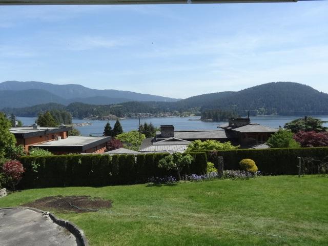 848 ROSLYN Dollarton, North Vancouver (R2268128)