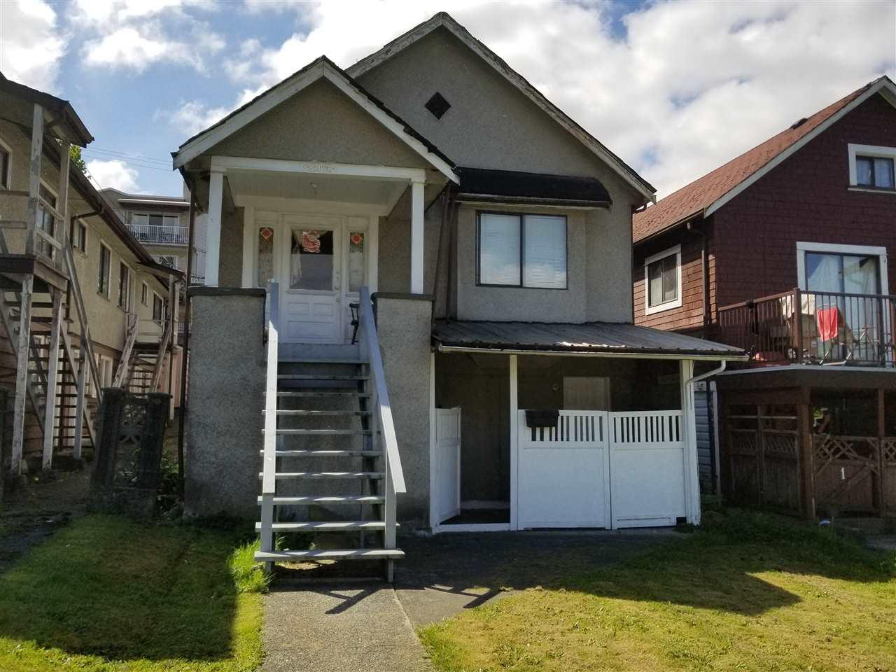 2268 TRIUMPH Hastings, Vancouver (R2268740)