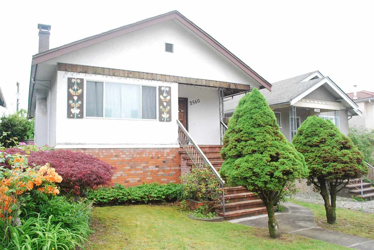 2560 DUNDAS Hastings East, Vancouver (R2270010)