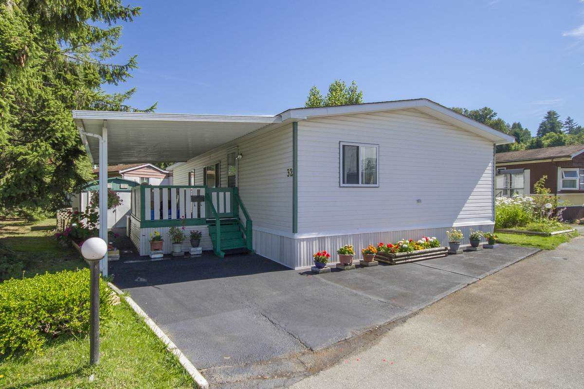 32 201 CAYER STREET, Coquitlam