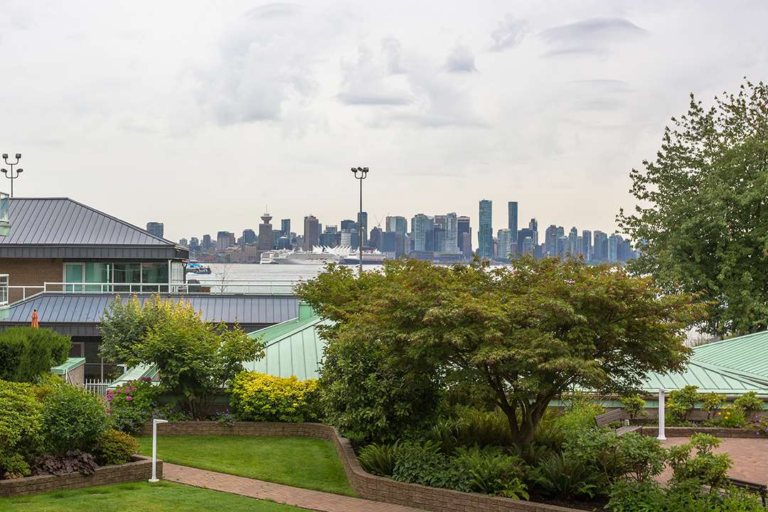 2204 33 CHESTERFIELD PLACE, North Vancouver