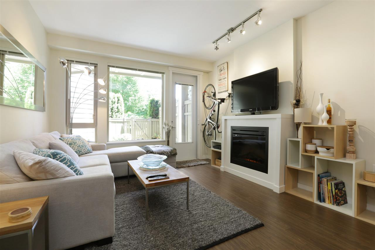 111 159 W 22ND STREET, North Vancouver