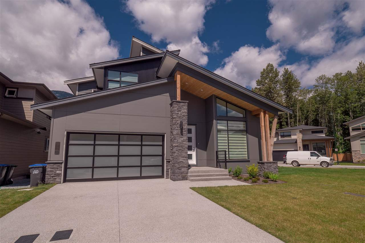 39351 MOCKINGBIRD LANE, Squamish