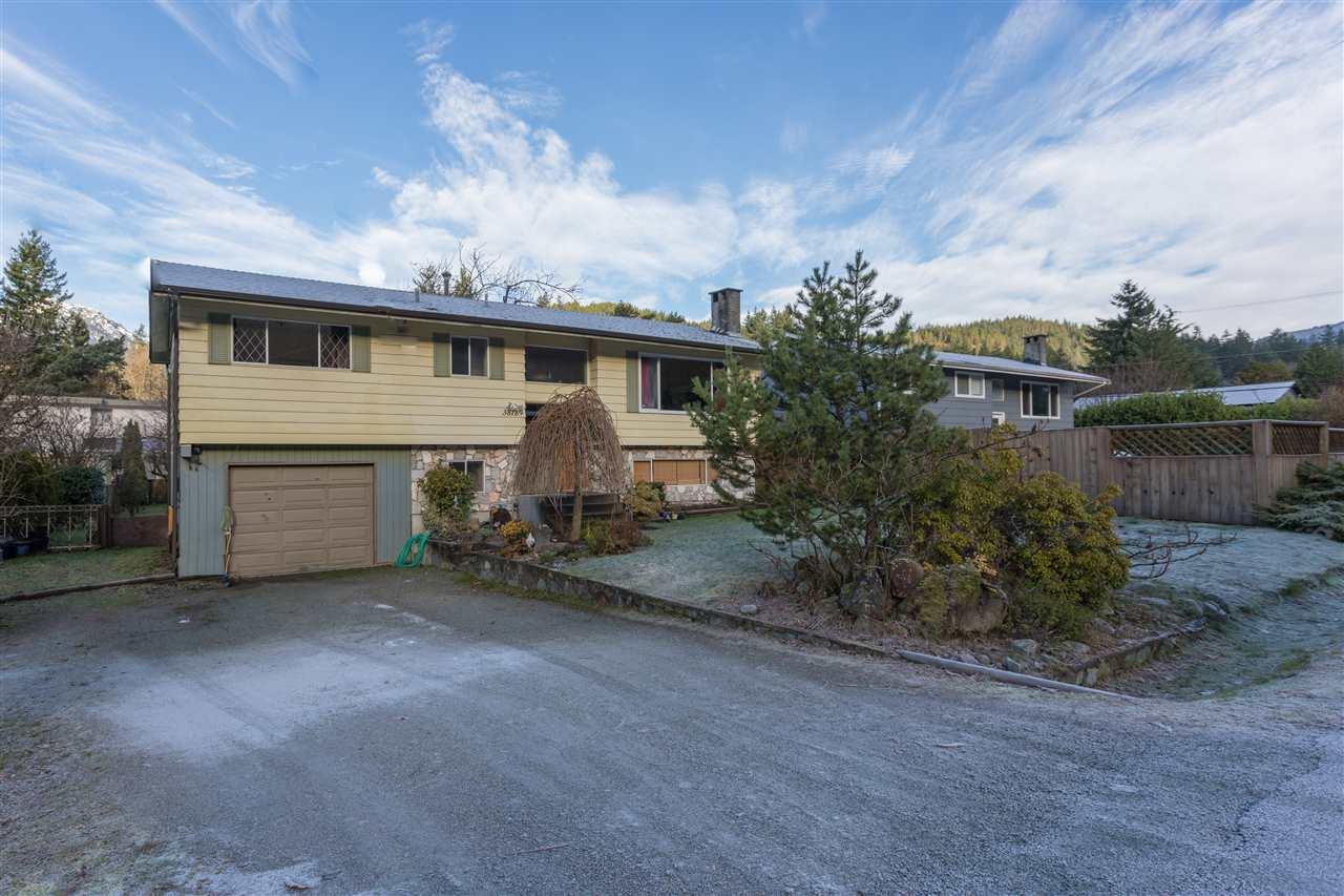 38189 CHESTNUT AVENUE, Squamish