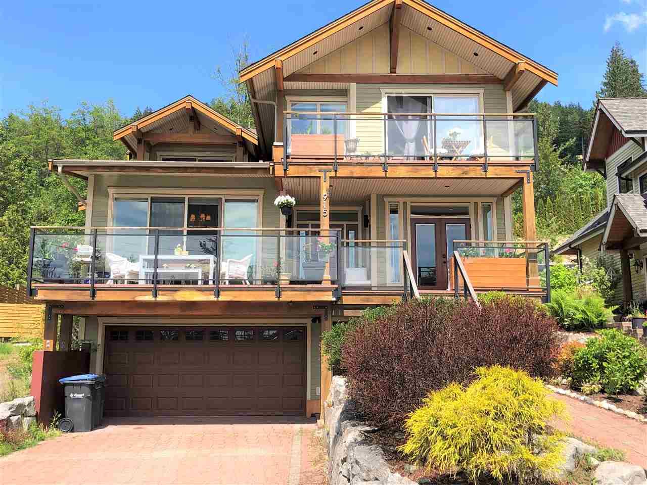 915 THISTLE PLACE, Squamish