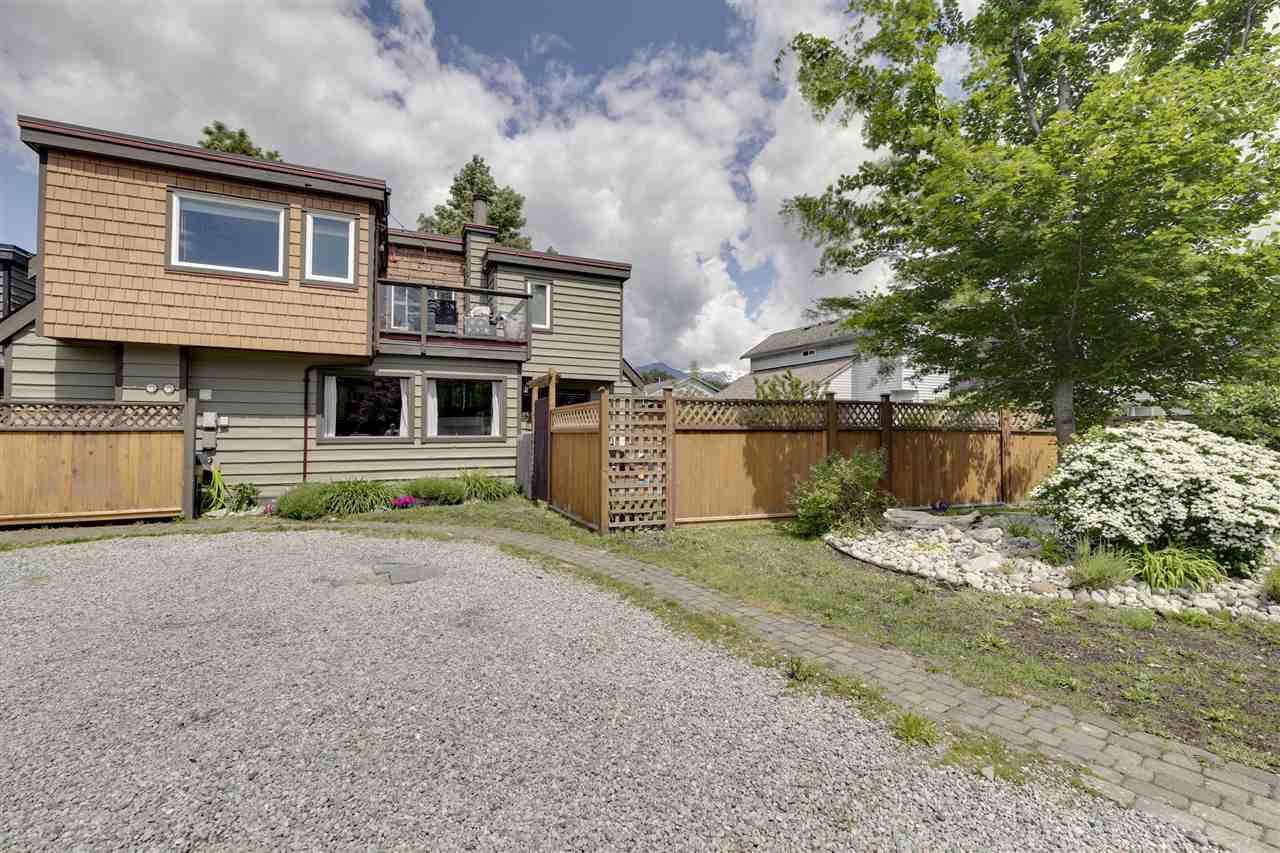 1025 BROTHERS PLACE, Squamish
