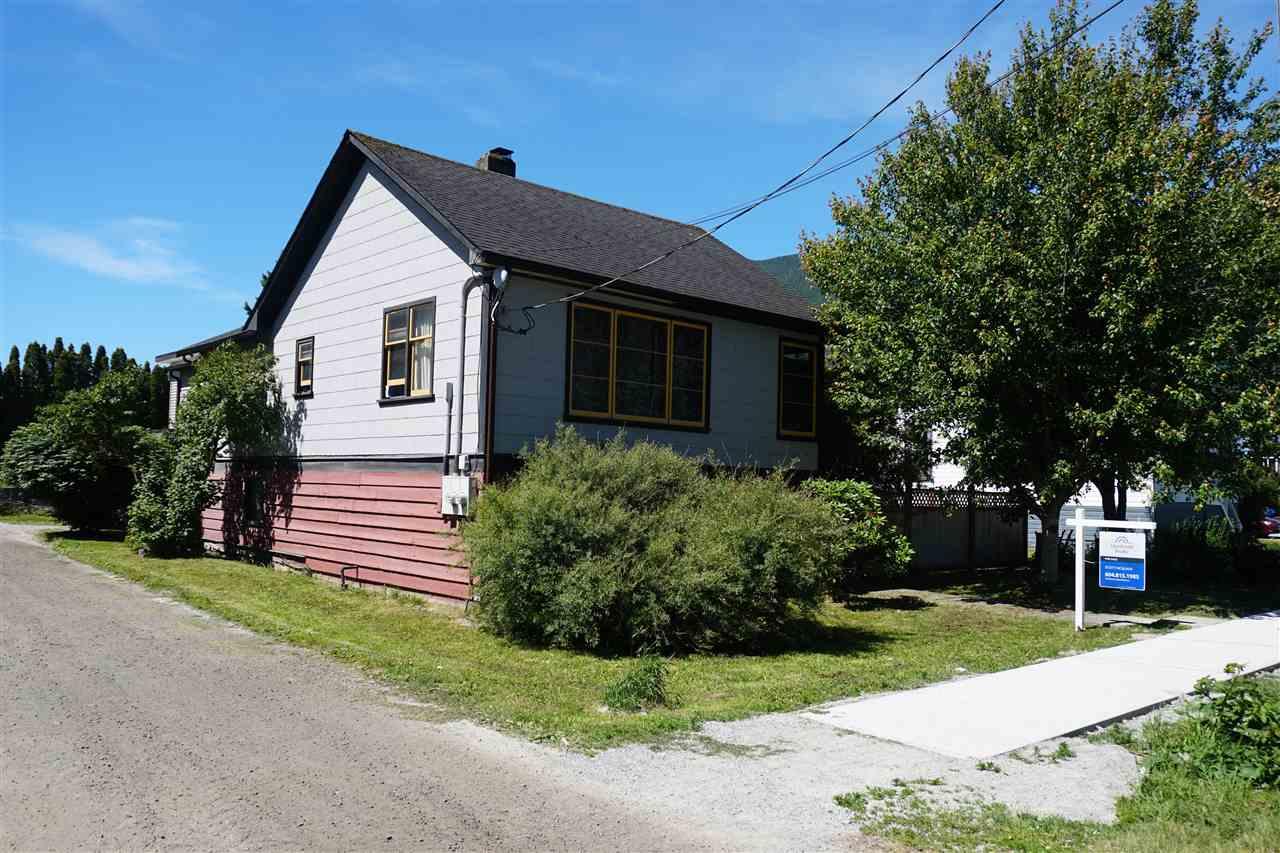 1270 VICTORIA STREET, Squamish