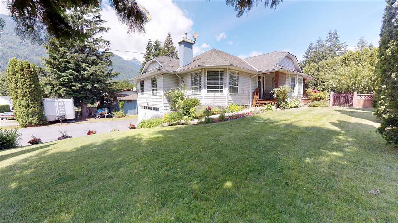 1202 PARKWOOD PLACE, Squamish