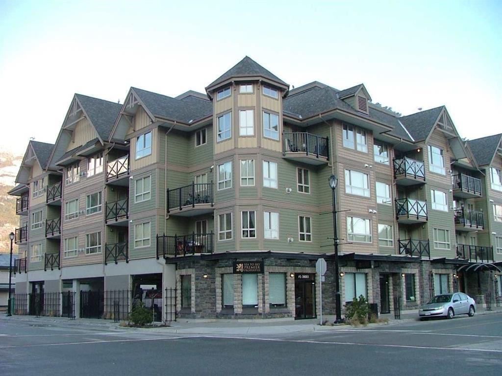 213 38003 SECOND AVENUE, Squamish
